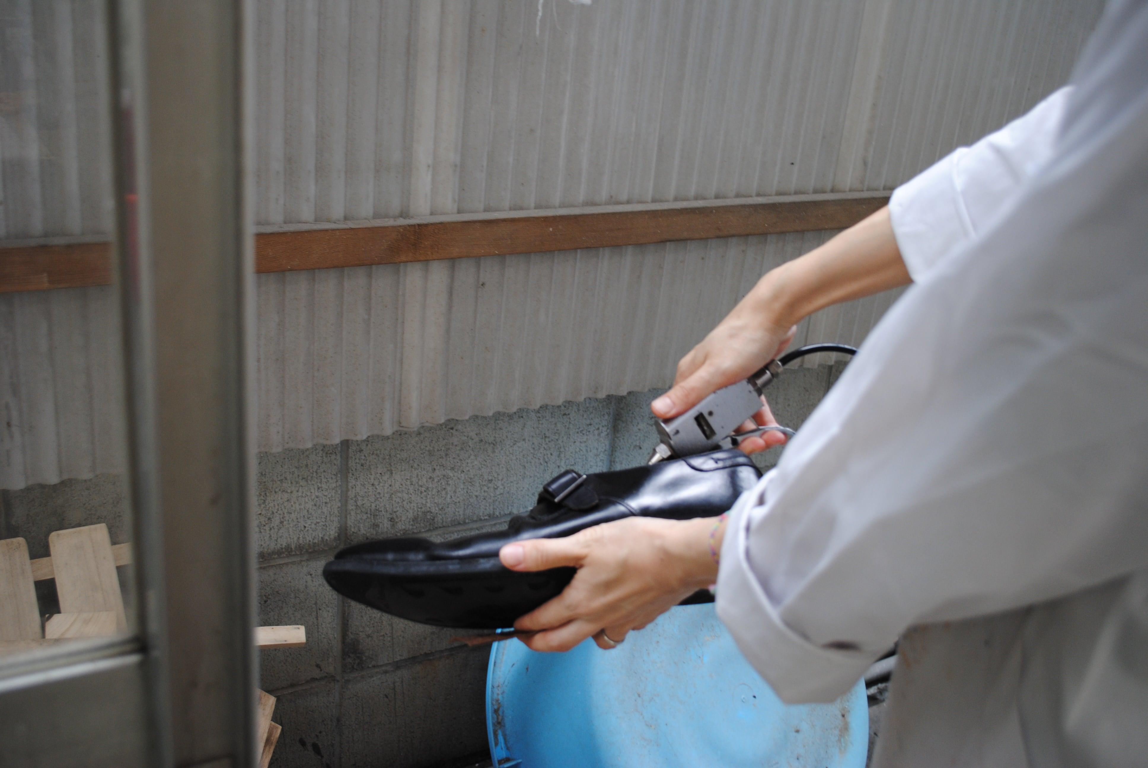 靴のクリーニング工程