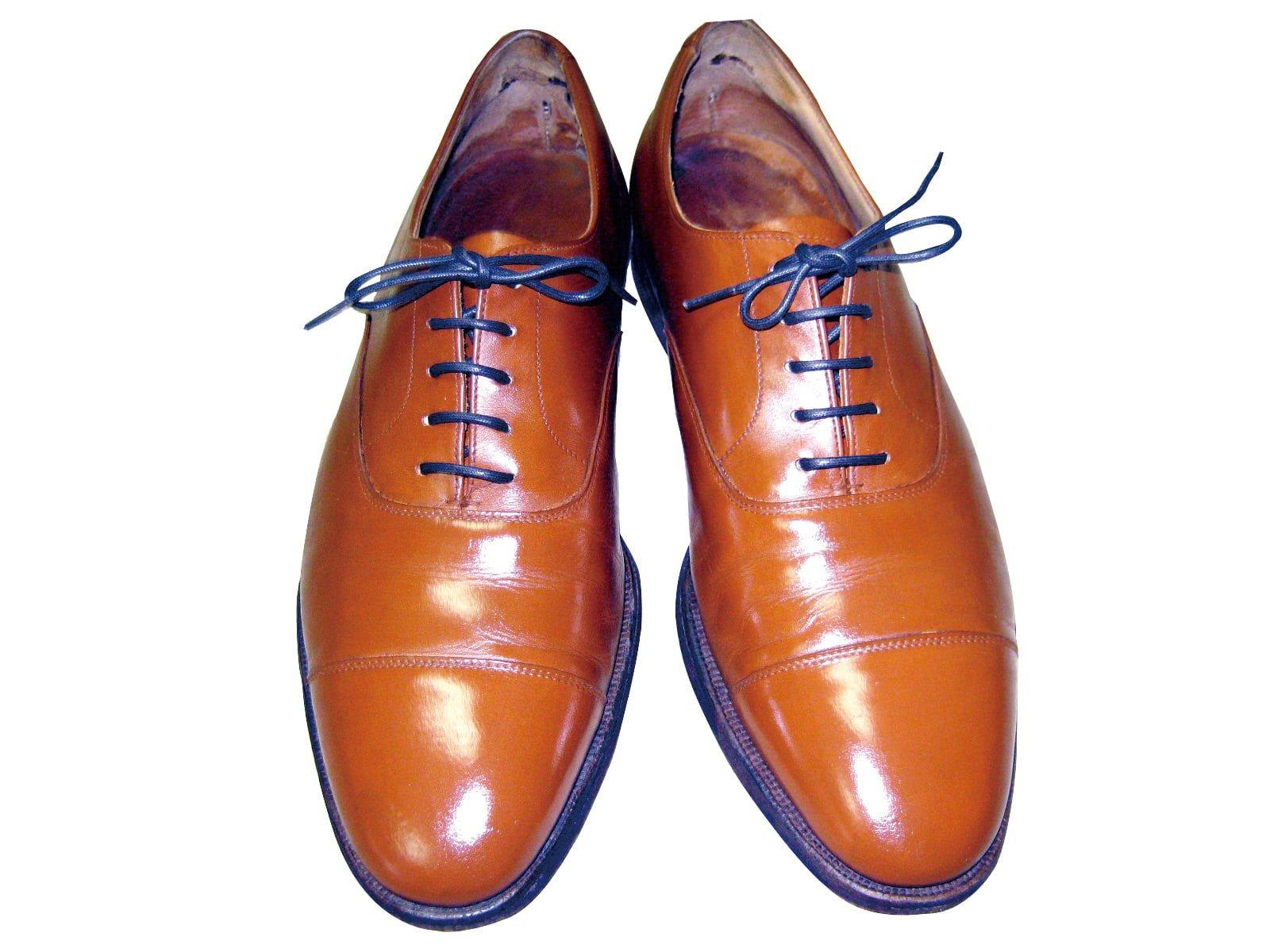 革靴のクリーニング・修理作業後